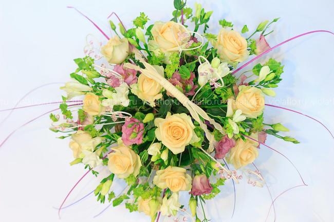 Корзина цветов в подарок