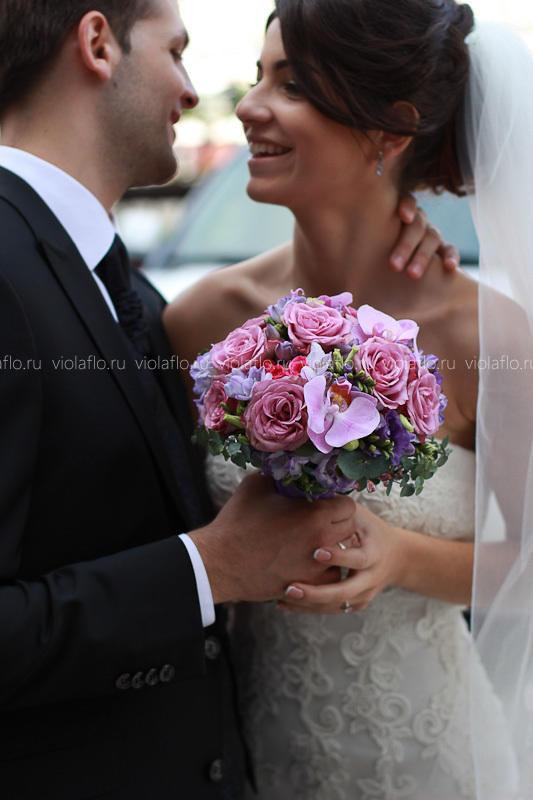 Сиреневый свадебный букет