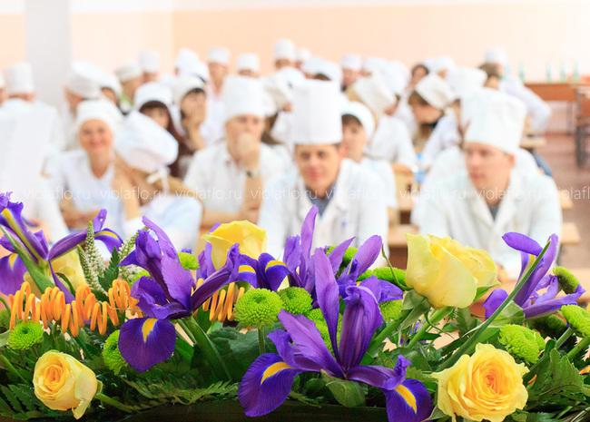 Госэкзамен в Тамбовском медицинском институте — украшение цветами