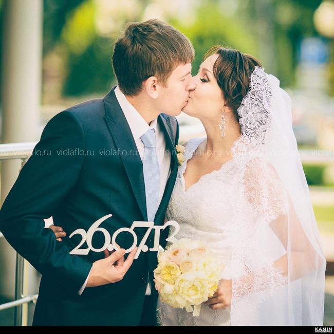 Букет невесты из роз и пионов в пастельных тонах