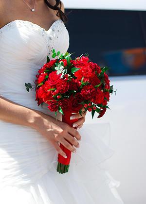 букеты свадебные фото красные
