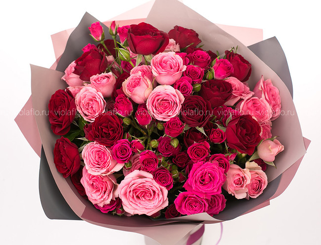 Букет кустовых роз премиум