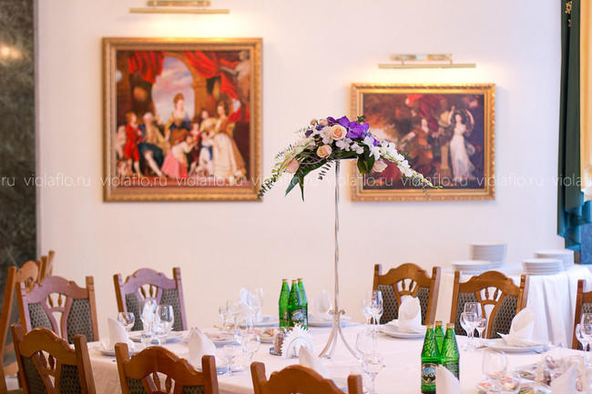 Оформление зала ресторана «Наместник»