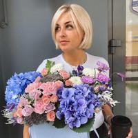 Ксения Гриднева, Старший флорист