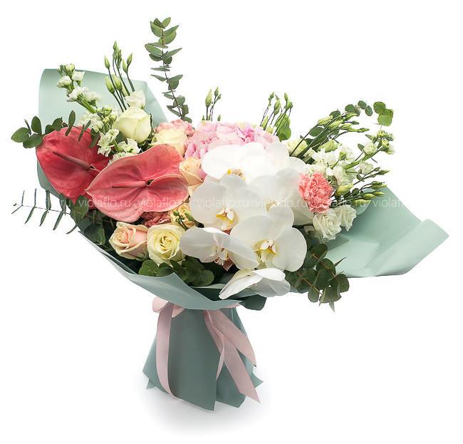 Букет «Королева цветов»