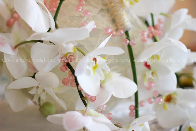 Украшение свадьбы орхидеями, кружевом и декором
